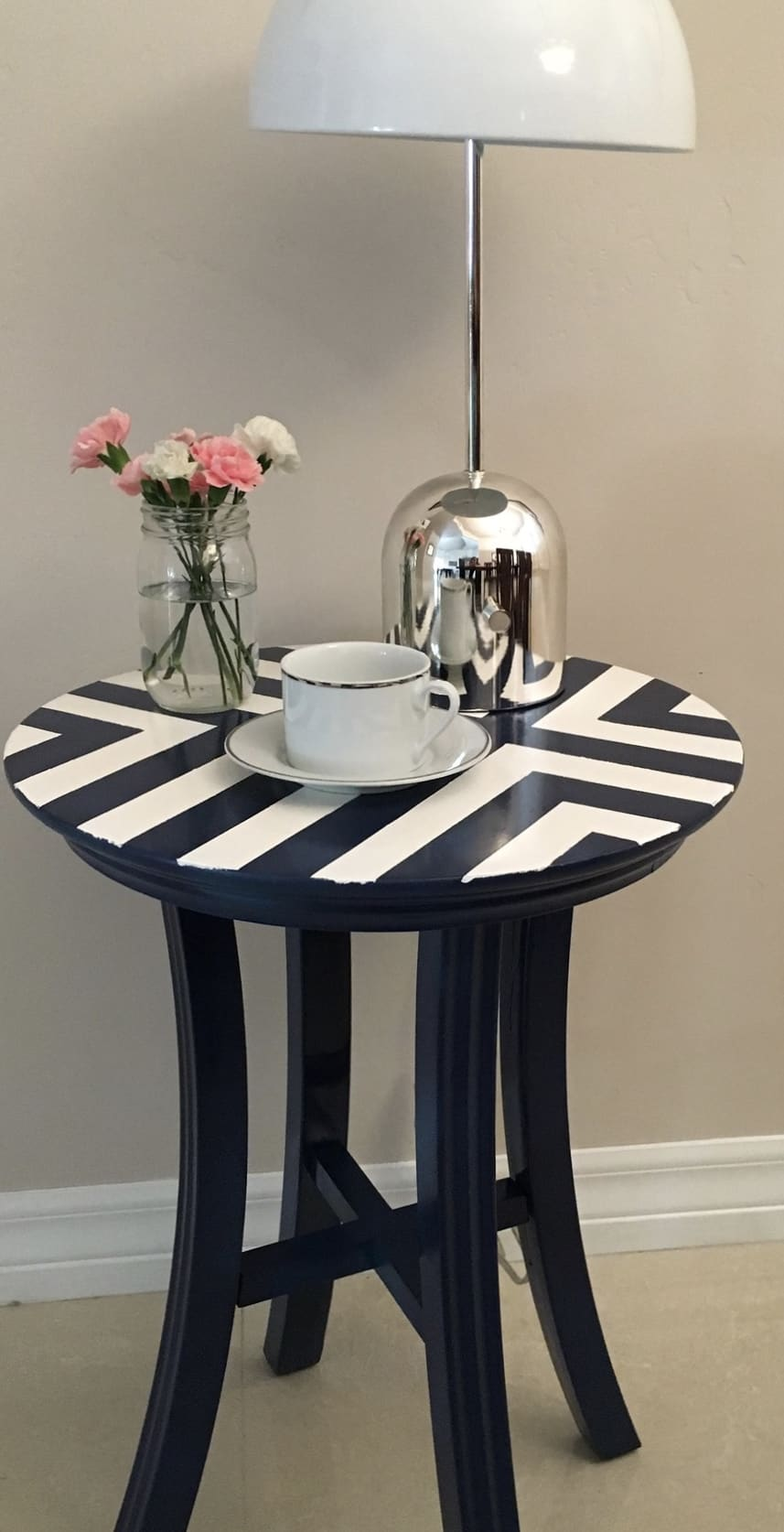 Side Table Side Table Makeover. Easy DIY. #spraypaint #sidetable #furniture #diy #homeimprovement #makeover #painterstape #table