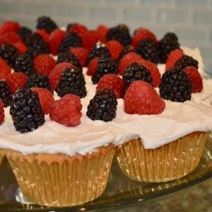 4th of July BBQ Pull-Apart Vanilla-Wafer Cupcakes