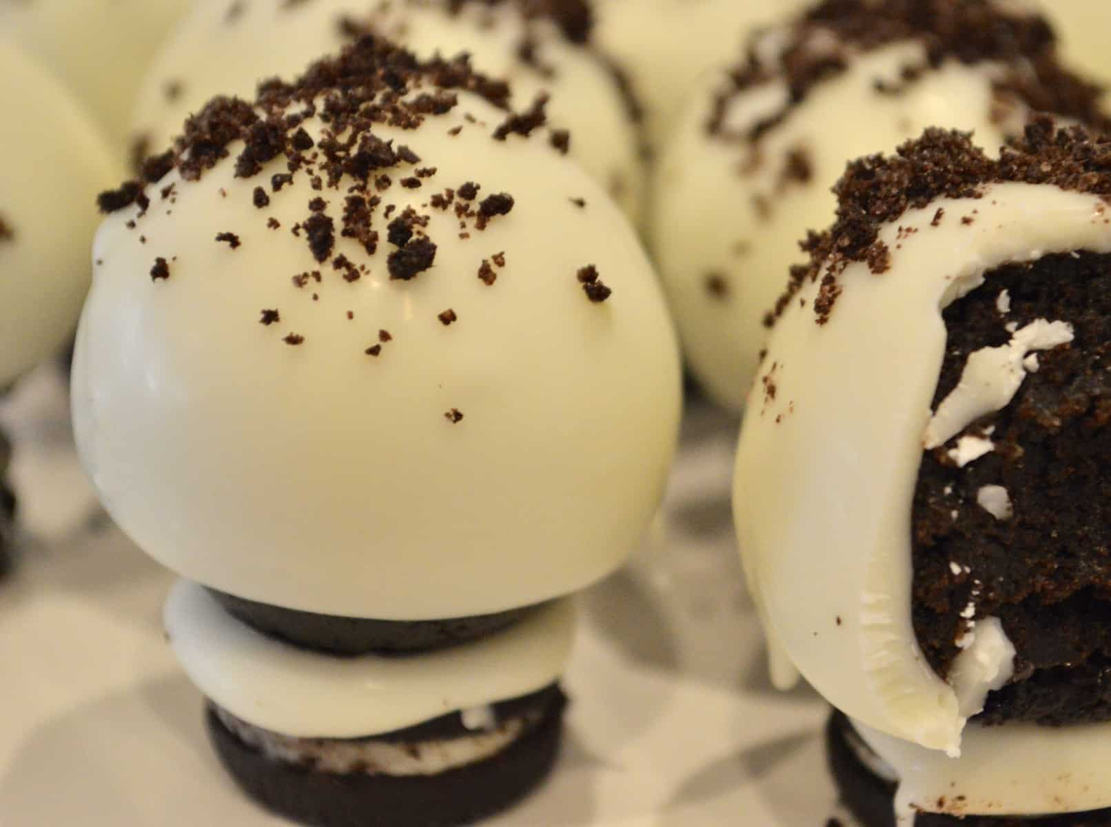 Cookies and Cream Oreo Truffles