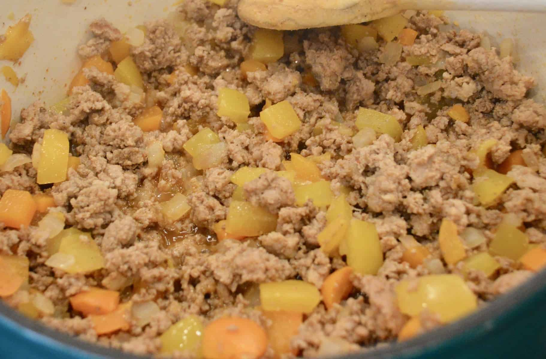 ground turkey and bell peppers