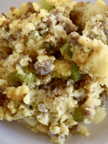 cornbread stuffing with sausage and apples