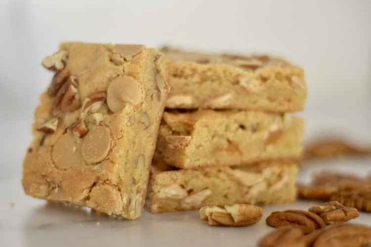 Caramel Chip Pecan Bars
