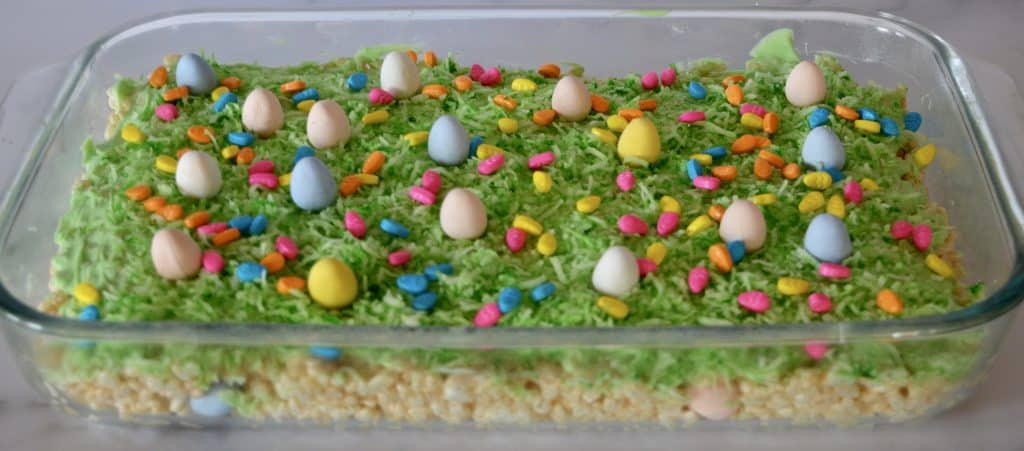 Rice Krispies easters treats in a clear baking pan