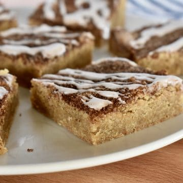 Cinnamon Sugar Blondies on a plate.